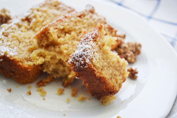 κέικ μήλου με ελαιόλαδο και χυμό πορτοκαλιού Ένα πολύ νόστιμο, αρωματικό κέικ, υγιεινό και νηστίσιμο (για όποιον ενδιαφέρεται), που έχει τη γεύση της μηλόπιτας που θυμάμαι από τα παιδικά μου χρόνια…