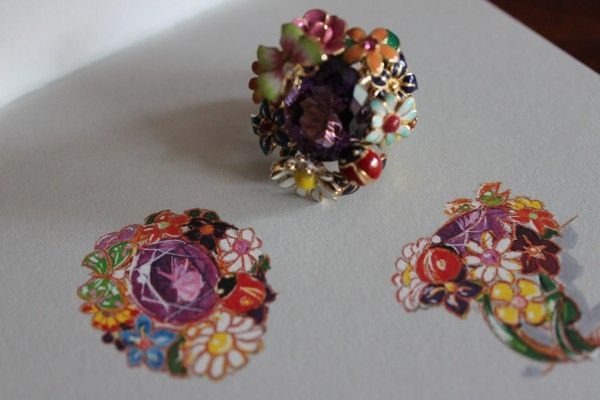 The Diorette ring - a bouquet of flowers every day