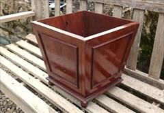 """William IV period antique mahogany receptacle of six sided polyhedron form. This object is hollow at the top for storage purposes, there us a decorative moulding to each of the four sides and the whole stands on a thin moulded plinth above four turned feet. The timber is well figured good quality mahogany with plenty of grain fill from the Edwardian period.  English circa 1835 £380  31cm / 12"""" wide 31cm / 12"""" deep 31cm / 12"""" high  #antique #mahogany #llitterbin #poshbin #antiquebin…"""