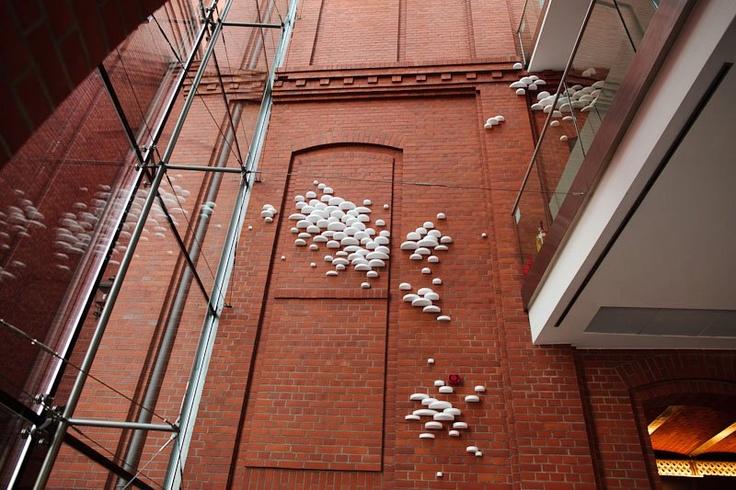 """Praca Krystiana """"Trutha"""" Czaplickiego na wystawie """"Nowy porządek"""" (2011/2012) / Krystian """"Truth"""" Czaplicki's artwork at """"New Order"""" exhibition (2011/2012)"""