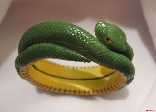Carved Snake Bracelet Very RARE Green Yellow Layered Vintage Bakelite