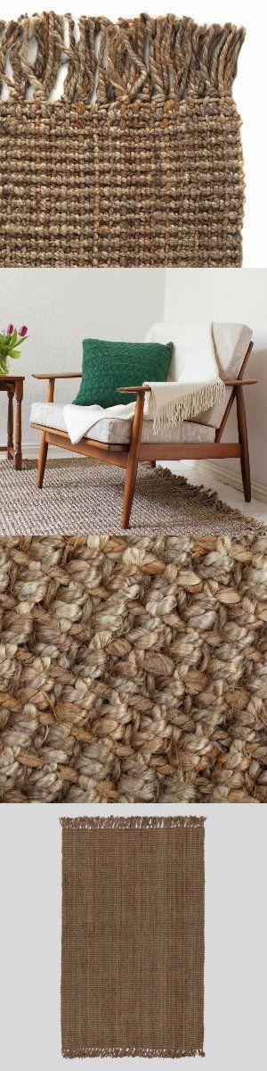 Der Teppich Daya wird von unseren Partnern in Indien liebevoll von Hand verwoben. Aus 100% umweltfreundlicher Jute und im strukturierten Design, passt sich das natürliche Design wunderbar in Ihr Zuhause ein.   Kombiniert mit einer rutschfesten Unterlage bleibt der Teppich an Ort und Stelle.