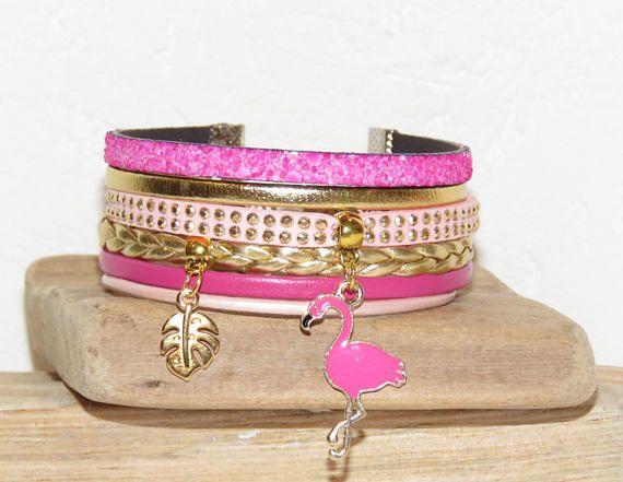bracelet manchette en cuir rose pastel rose fuchsia et doré
