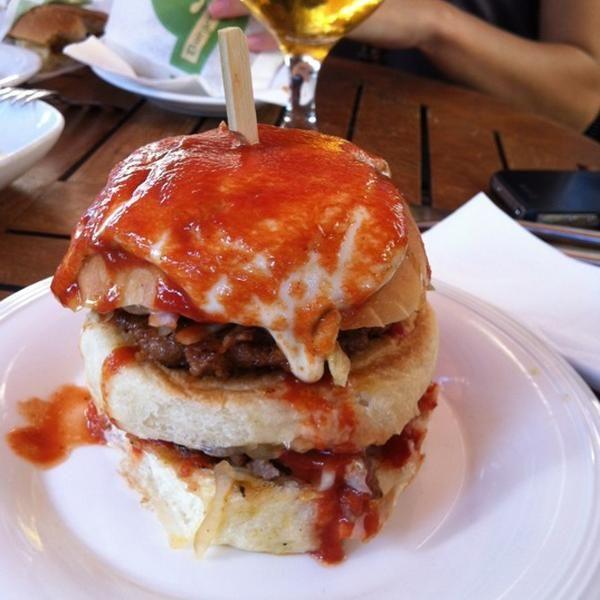 J Burger / Nam-ı diğer Jumbo Burger.. Yıllardır vazgeçilmez tat..