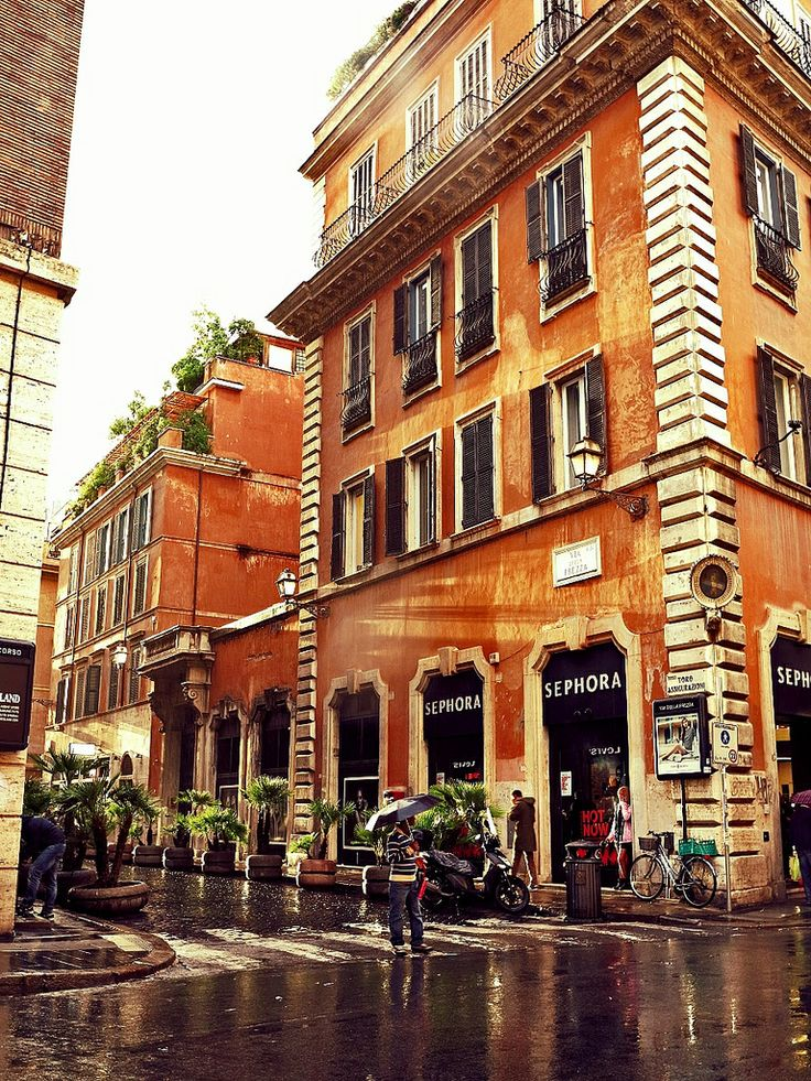 Rome   red R   Flickr