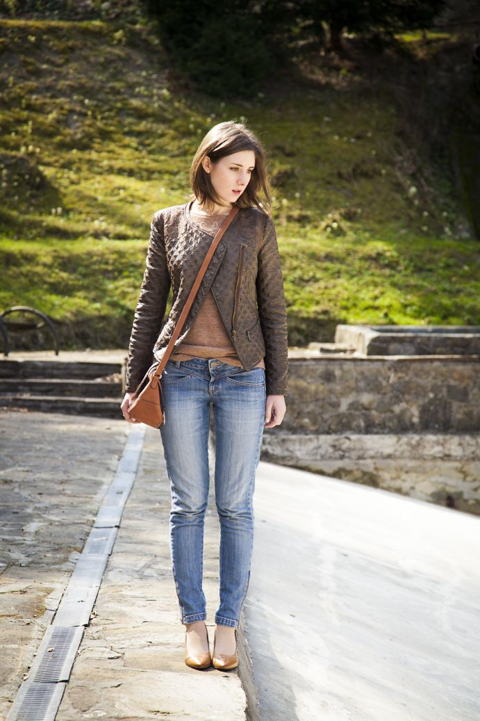 Leather jacket outfit on www.tigerintheflowers.blogspot.com #ootd #fashion #style #classic #leatherjacket #jeans