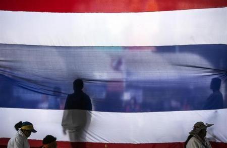写真は反政府デモ隊が掲げた国旗。1月撮影(2014年 ロイター/Nir Elias) ▼4Feb2014ロイター|タイ野党が選挙の違憲性主張、中国のタイ米購入契約撤回で与党不利に http://jp.reuters.com/article/worldNews/idJPTYEA1305Y20140204 #thailand #thai #election #ElectionTH
