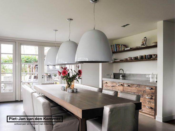 Luxe woonboerderij - Piet-Jan van den Kommer - eettafel en koffienis