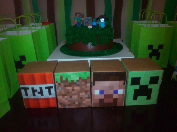 Cajas de decoracion con la cara de los personajes de - Decoracion con cajas ...
