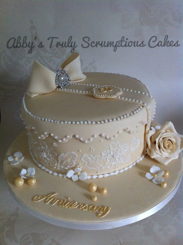 Wedding Anniversary Gifts For Him Paper Canvas 10 Year: 17 Best Ideas About Wedding Anniversary Cakes On Pinterest