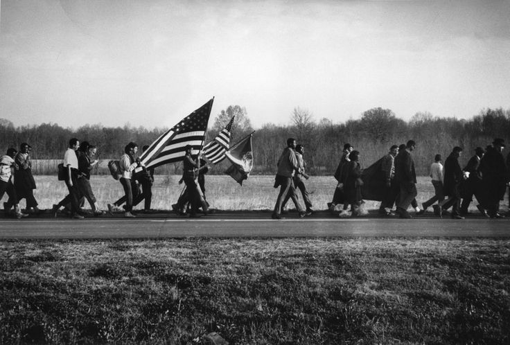 Steve Schapiro, Selma march with flag