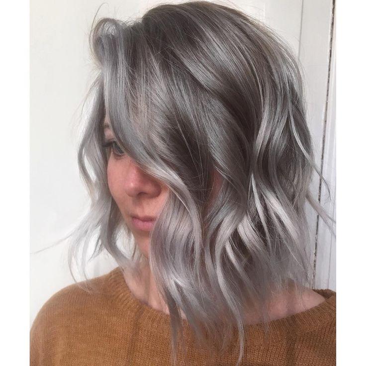 i c e y #silverhair #greyhair #bob #balayage #highlights #mechas #mechascriativas #texture #texturizedhair #summerhair #wella #cheveux #gris #wellahair #oribe #oribehair #loreal #lorealpro #modernsalon #behindthechair #maneaddicts #americansalon