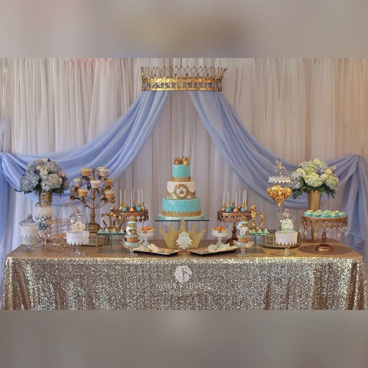«Precious Little Prince Baby Shower Cake and Sweets by @littlesugarshopny Sugar cookies by @mayrascakepops #simplydivineeventdecor #desderts…»