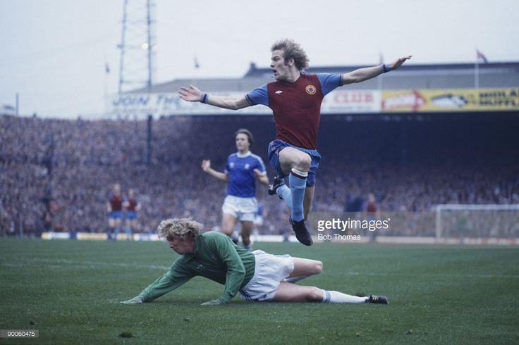 St Andrews 1978. Andy Gray, Jim Montgomery BCFC