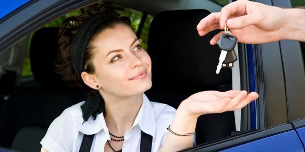 Melbourne Driving School- Package Driving School provides driving lessons in Pakenham including affordable cost and best driving instructor #DrivinglessonsNarrewarren #drivinglessons #DrivingschoolMelbourne