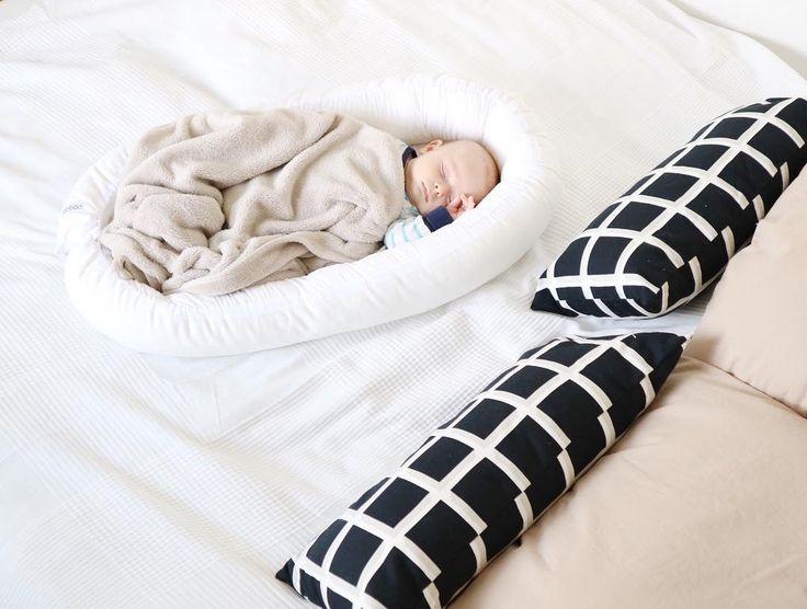 Huomenta! Kuinka teillä nukuttiin tänä yönä? . . . #bebiboofinland #vauva #bebis #vainäitijutut #äiti #koti #perhe #perhepeti #unipesä #vauvanpesä #babynest #vauvanhuone #vauvantarvikkeet #vauva2017 #vainäitijutut http://ift.tt/2tvJPki