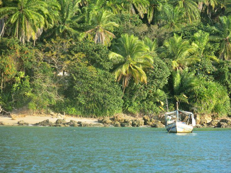 Navegando alrededor de Morro