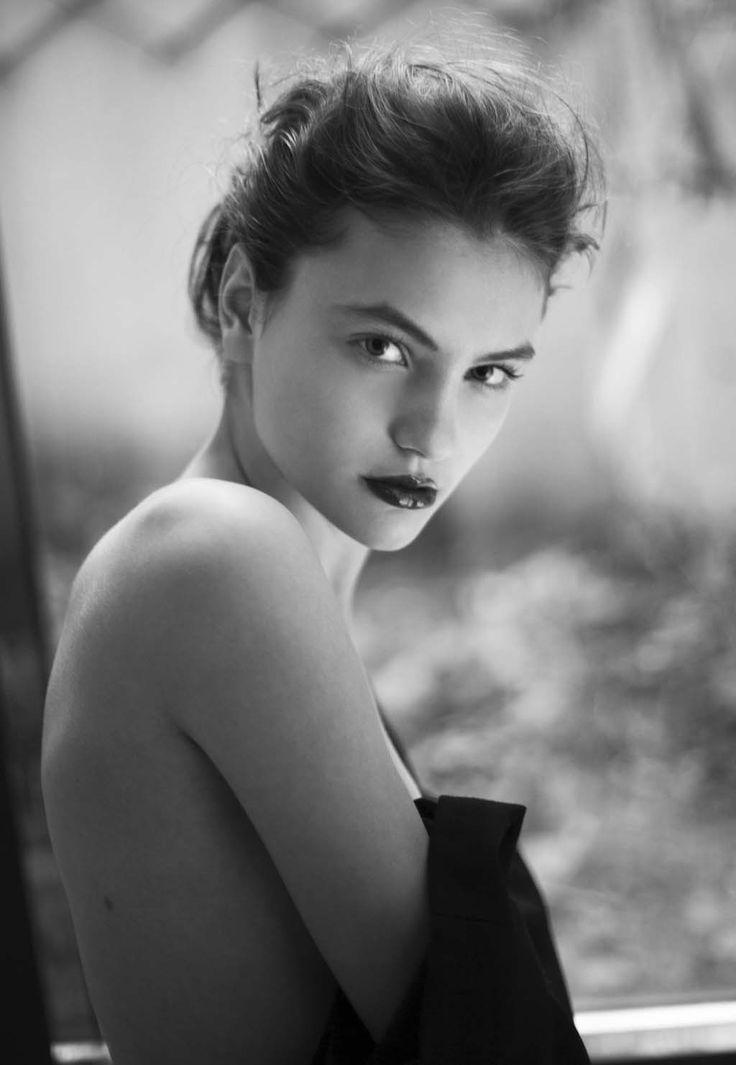 Roxana Enache Photography  photo test model Paula (One Models Agency) styling and hair Elena Ionita