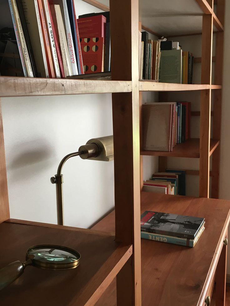 Detalle biblioteca por Bazar de la Fortuna