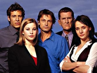 Another excellent Oz series at the mercy of a commercial network. Awesome theme music by Supersonic ---> White Collar Blue, starring Don Hany, Brooke Satchwell, Peter O'Brien, Freya Stafford and Richard Carter, 2002-03.