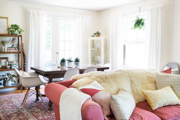 A Cheerful & Colorful Cozy Rental in Massachusetts