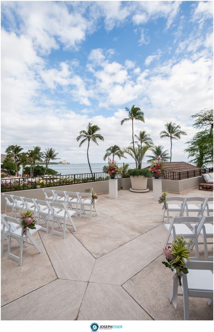 17 best images about halekulani wedding photos hau terrace for Terrace wedding