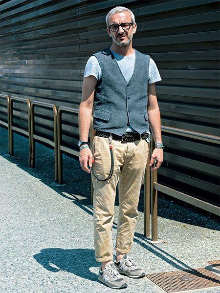 Tシャツスタイルは、ヴェストを加えただけで大人の上品カジュアルに変身する! | メンズファッションの決定版 | MEN'S CLUB(メンズクラブ)