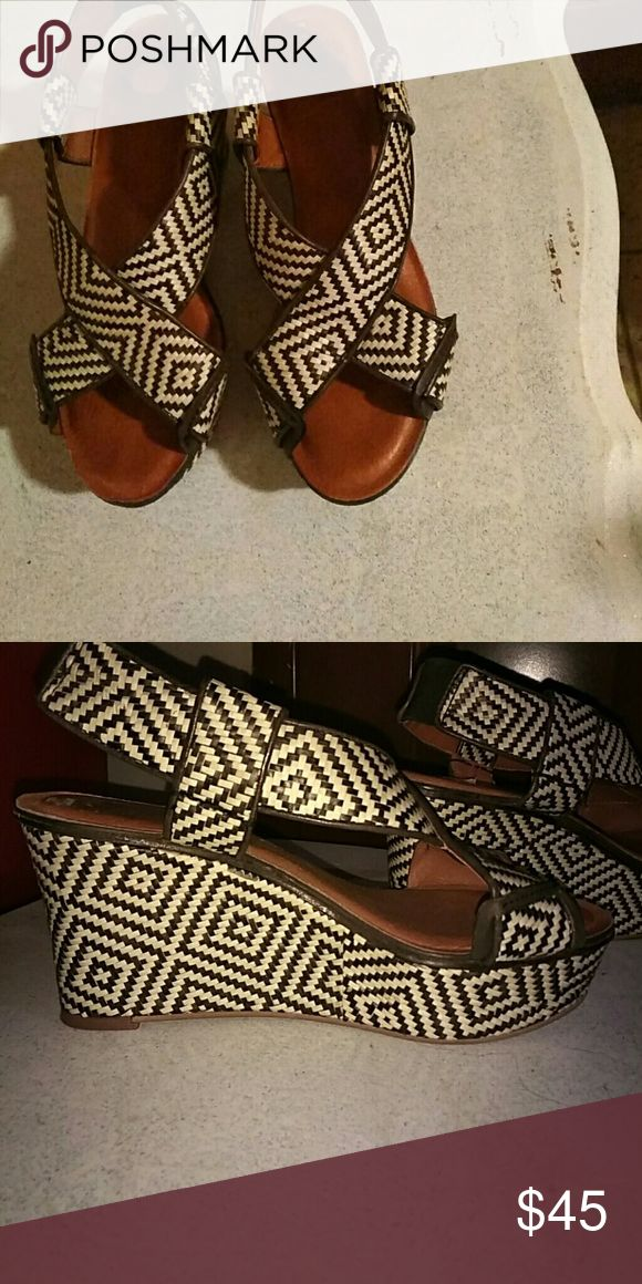 Black and White Espadrilles size 8 1HR SALE  Black and White Espadrilles Lucky Brand Shoes Espadrilles