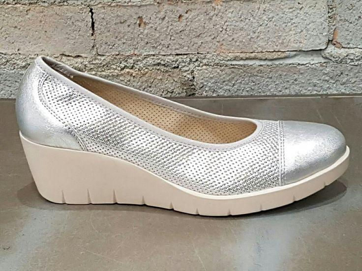 #Avance #primavera2017 #momem #TheLifeIsFlexible #calzado #hechoenpiel #confort #hechoenespaña #calzadoseñora #AdelaGilLosValles #cclosvalles #colladovillalba #madrid #trendy #plata #cuña #zapatos #comodos #look #style #love #outfits #calzadodepiel Venta online www.adelagilcomplementos.com