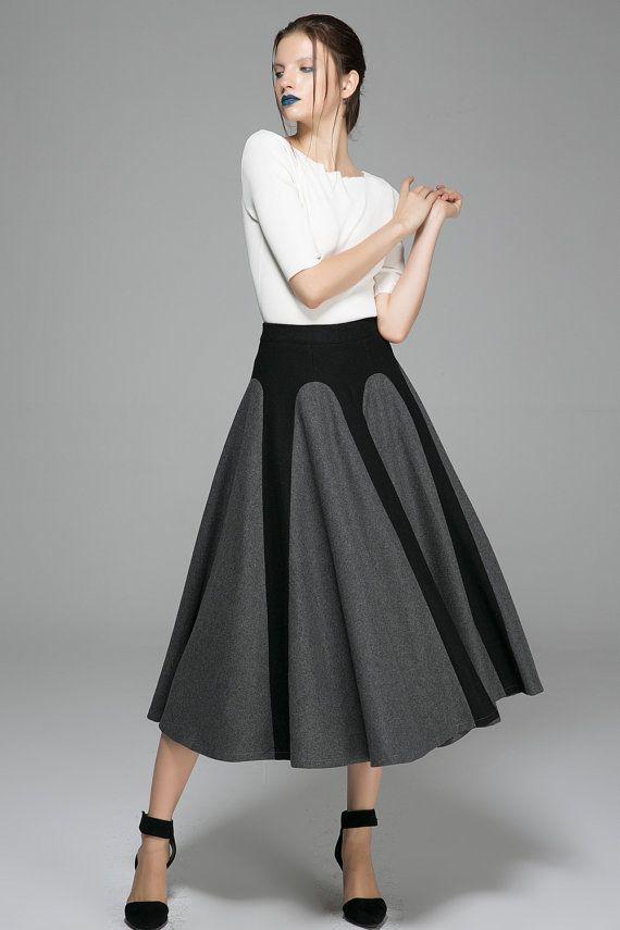 Grauschwarzer Winterrock – Langer zweifarbiger, ausgestellter, einzigartiger Designer-Damenrock (138 …   – Skirt