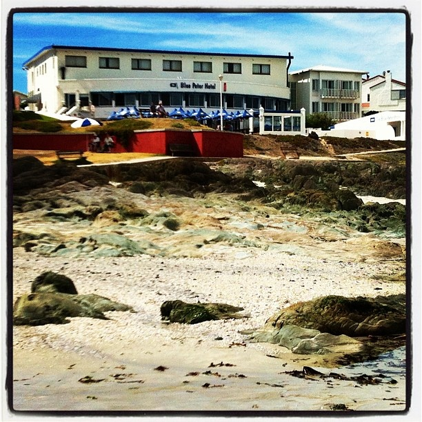 Iconic Pub Grub Local - Blue Peter - Bloubergstrand, Cape Town
