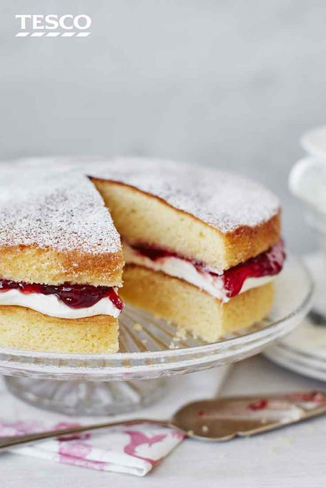 You can't beat a classic Victoria sponge cake for a sweet treat, and our recipe has the perfect combination of fluffy vanilla sponge sandwiched together with decadent whipped cream and strawberry jam. | Tesco