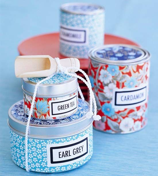 DIY - Gifting Tea & Spices in Coordinating Gift Tins. Pretty, pretty.