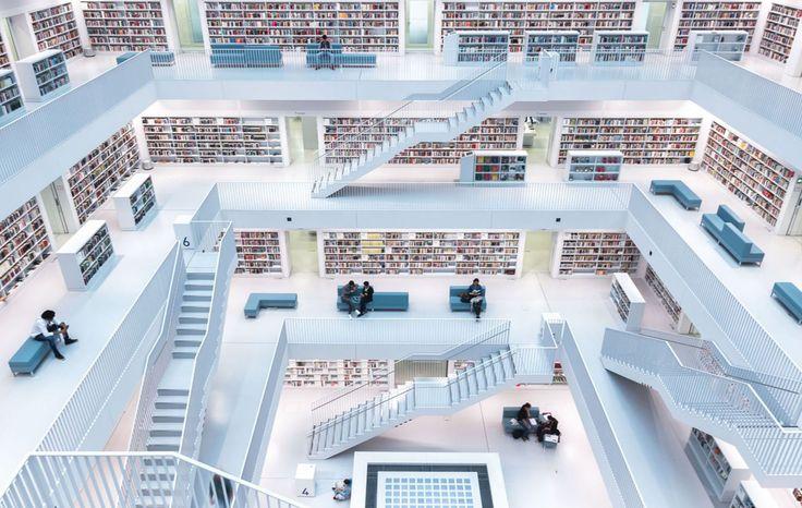 Ciudades – Primer lugar. Niveles de lectura. La luz natural se filtra en la biblioteca de la ciudad de Stutgart, Alemania. Por Norbert Fritz.