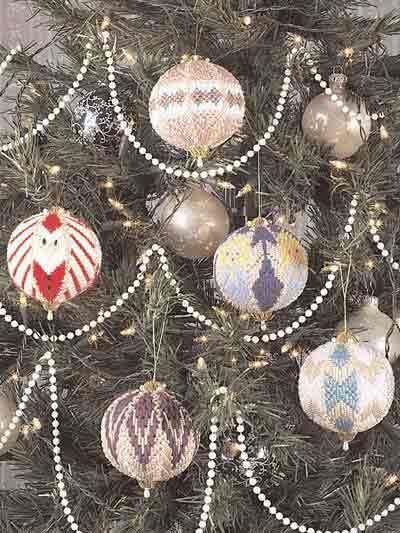 plastic canvas ornaments balls pattern only elegant christmas - Elegant Christmas Decor