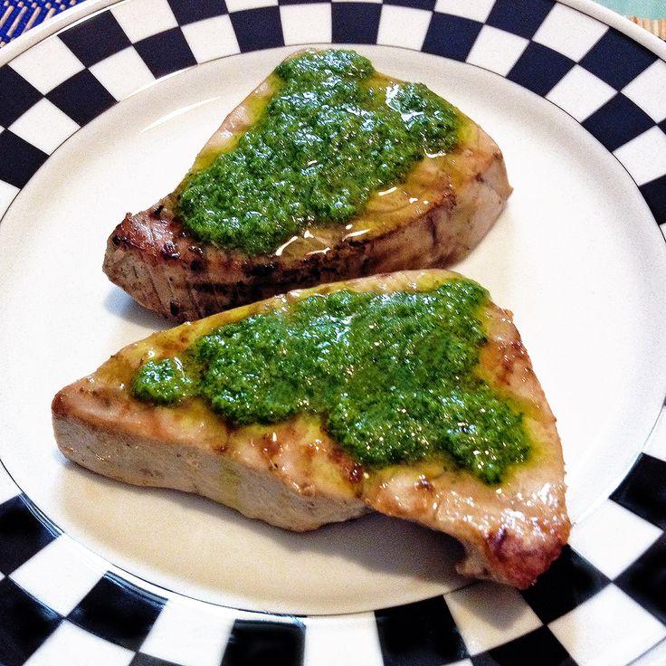 l tonno è un secondo gustoso ed estivo. In questa ricetta, i filetti di tonno in salsa di zenzero, lo propongo ricoperto di una squisita salsina fredda