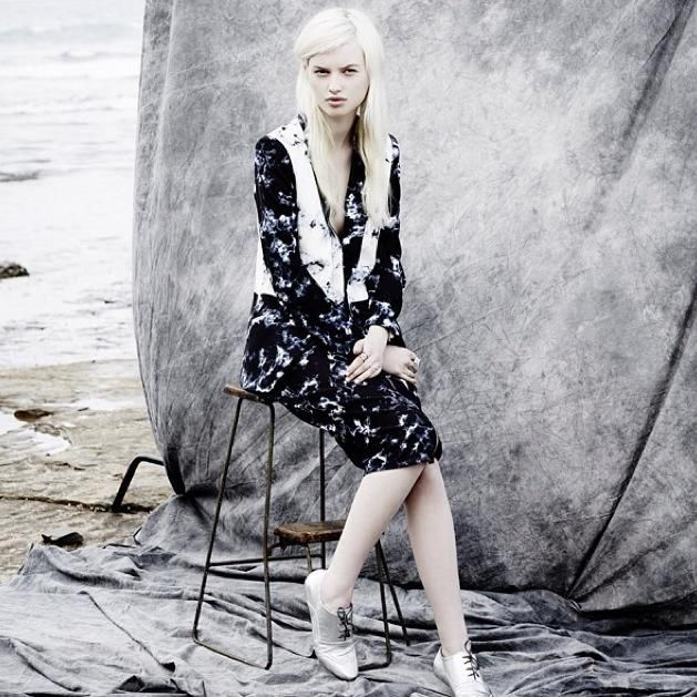 Yen Magazine Dreaming Nights Blazor Modern Love Skirt