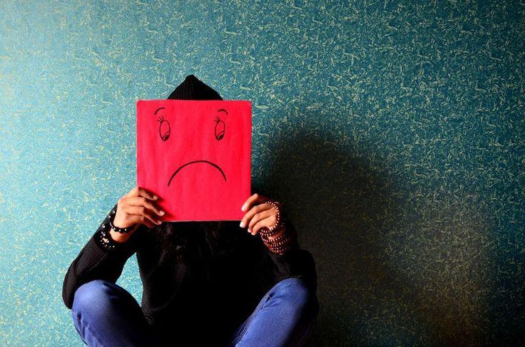 La angustia es un estado mental provocado por preocupaciones de cara a hechos en el futuro o peligros desconocidos. Este estado básicamente psíquico está caracterizado ... Seguir Leyendo