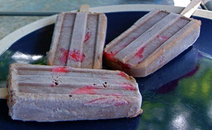 Παγωτίνια κακάο-φράουλα