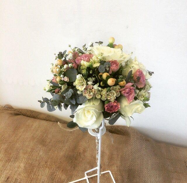 Tärnbukett. Blommor. Sommar. Färgdrag. Bröllop.