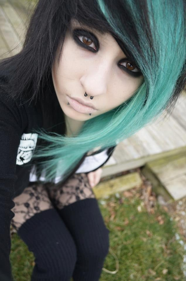 image Goth girl eats a meal from her ass then gets ass fucked