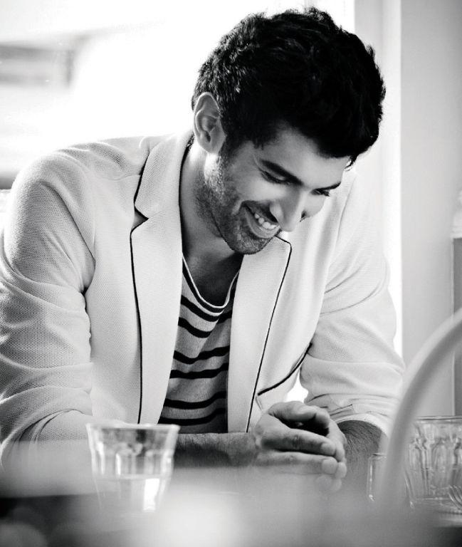 18 Dreamy Photos Of Aditya Roy Kapoor That Will Make You Go 'Tum Hi Ho'