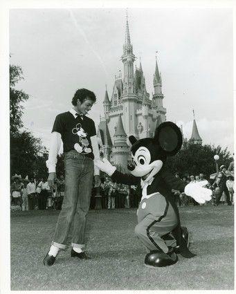 マイケル·アンド·ミッキー·マウス·マイケル·ジャクソン24254840-341-425