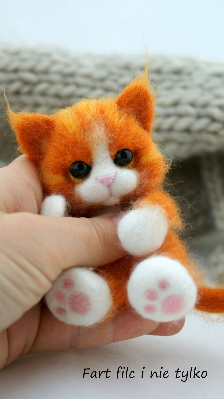 Oh my goodness.. another adorable felt kitty