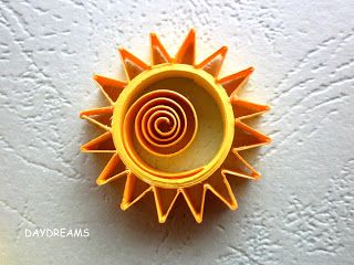 quilling by DAYDREAMS: cards ... close-up of sun ... like the shades of yellow and the asymmetrical placement of the main coil ... bright and cheerful ...