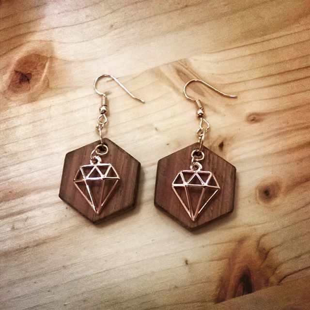 #shewoods #stoapsyrri #summer2017 #summer #greece #handmade #wooden #jewellery #earrings #shewoods