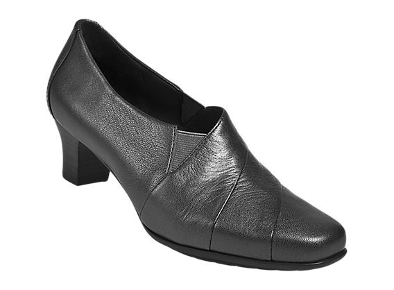 A beautiful shoe that will take you through the work day. So cushy!