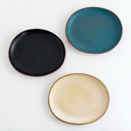 Plates from Taiga kiln, Tamba, Japan. Via Billet.