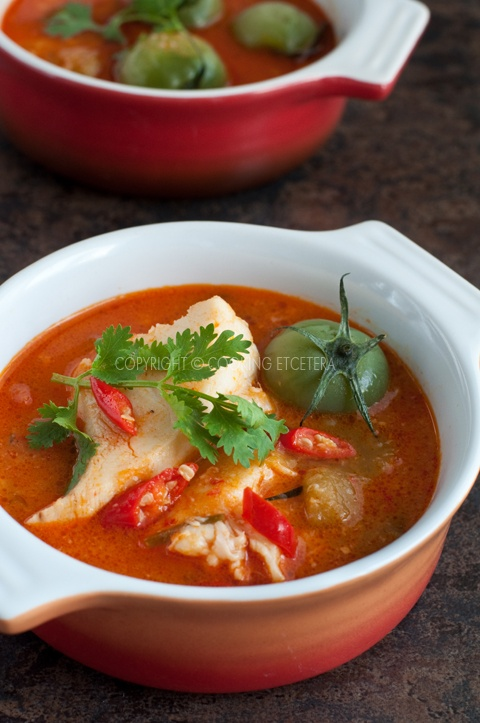 Asampadeh - Indonesian hot & sour fish soup . best soup when your feeling sick or have the flu.  Its lovely.