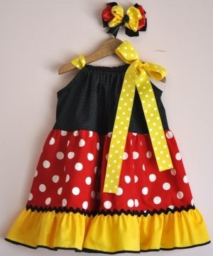Minnie Mouse Dress for-baby.  More of a Classic Minnie color scheme.